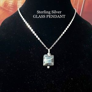 STERLING SILVER NECKLACE PENDANT GREEN GLASS 925